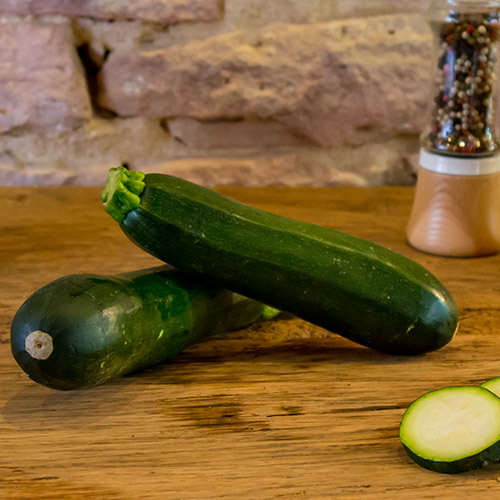 La courgette verte du verger- France – Sud